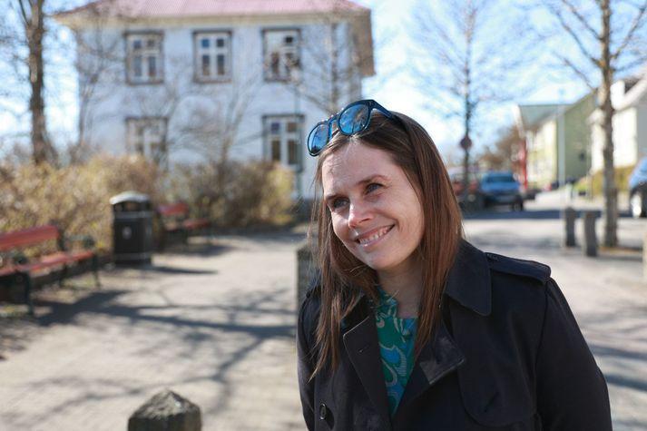 Katrín Jakobsdóttir forsætisráðherra er á leið í bólusetningu í Laugardalshöll í dag.