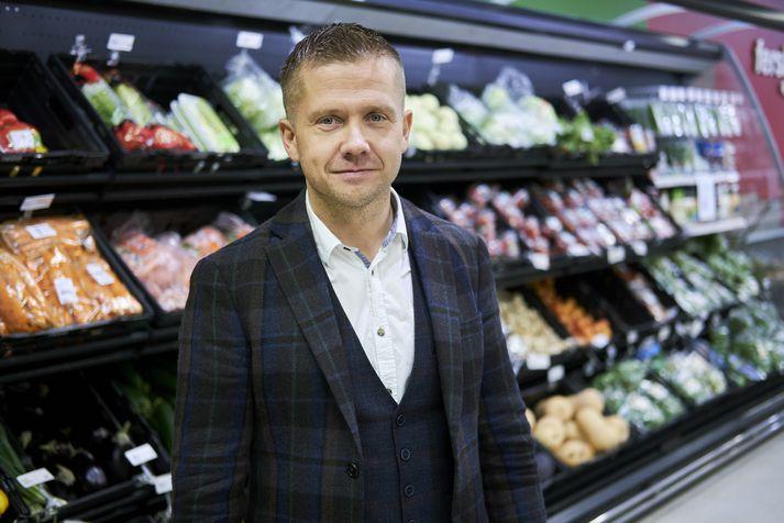 Gunnar Egill Sigurðsson, framkvæmdarstjóri verslunarsviðs Samkaupa, segir að öllu starfsfólki verði boðin áfram vinna hjá fyrirtækinu.