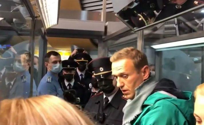 Navalní var handtekinn við komuna til Rússlands fyrir stuttu.