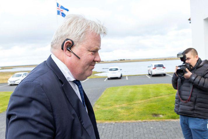 Sigurður Ingi Jóhannsson er samgöngu- og sveitarstjórnarráðherra auk þess að vera formaður Framsóknarflokksins.