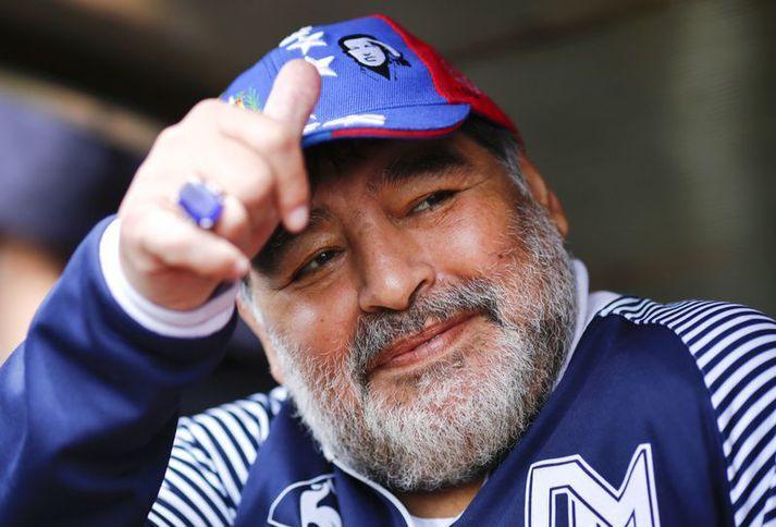 Diego Maradona fór illa með sig en hann hafði getað fengið hjálp á þeim tólf tímum sem hann kvaldist.