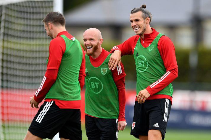 Gareth Bale nýtur þess að æfa með Wales þessa dagana.