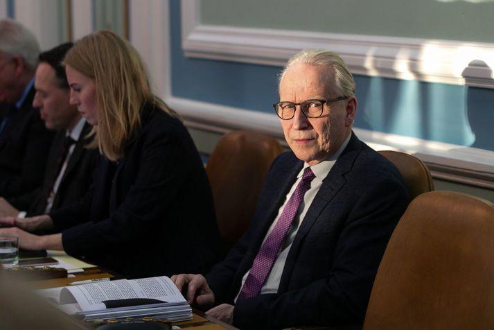 Ari Trausti Guðmundsson.