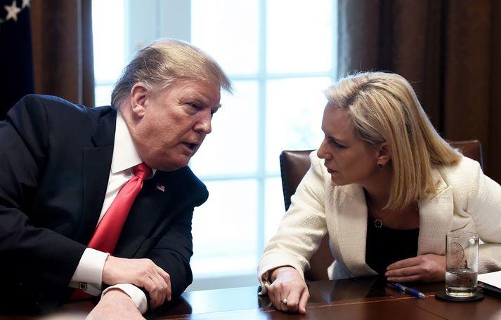 Trump hafði lengi verið Nielsen reiður. Hún benti honum á að aðgerðirnar sem hann krafðist væru ólöglegar en á það vildi forsetinn ekki heyra minnst.