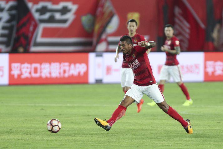 Paulinho í leik með Guangzhou Evergrande