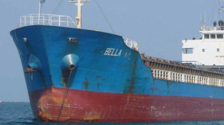 Bella, eitt skipanna sem flutti olíutunnurnar.