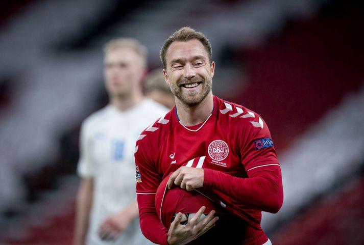 Hjarta Christian Eriksen stöðvaðist í gærkvöldi í miðjum leik Danmerkur og Finnlands á Evrópumeistaramótinu.