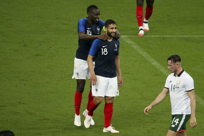 Nabil Fekir skoraði fyrir franska landsliðið í undirbúningsleik á dögunum. Hér fagnar hann marki sínu með Blaise Matuidi.