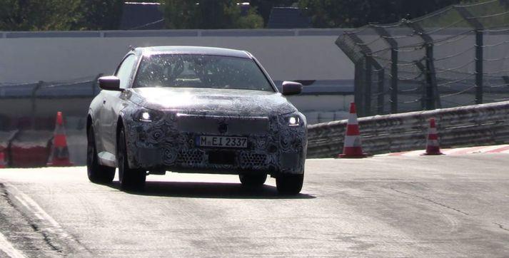 BMW 2 línan á Nürburgring.