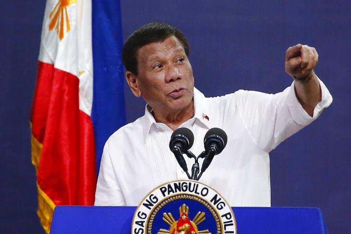 Duterte birti lista fyrr á þessu ári yfir þá sem hann kallaði fíkniefnastjórnmálamenn. Navarro var á þeim lista.