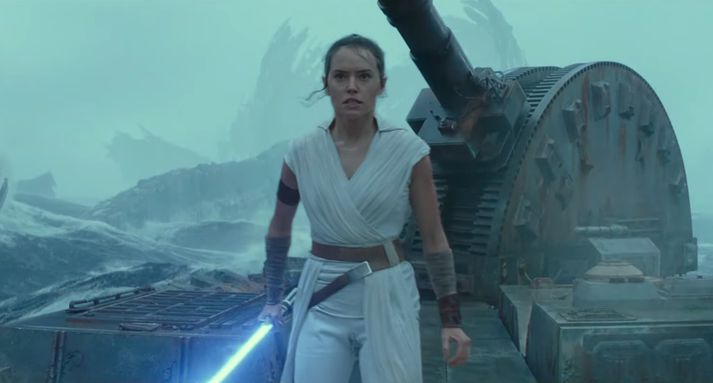 Rey undirbýr sig fyrir átök.