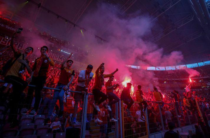 Stuðningsmenn Galatasaray búa alltaf til svakalega stemmningu á Turk Telekom leikvanginum.