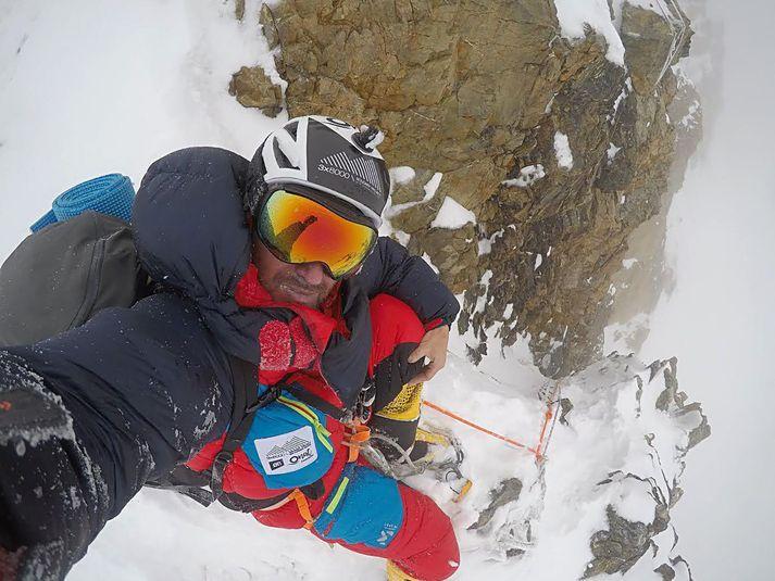 Fjallagarpurinn Sergi Mingote fórst á leiðinni upp á tind K2.