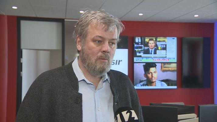 Sigurður Oddsson hefur árum saman reynt að fá kostnað vegna tannréttinga dóttur sinnar endurgreiddan frá Sjúkratryggingum, án árangurs.