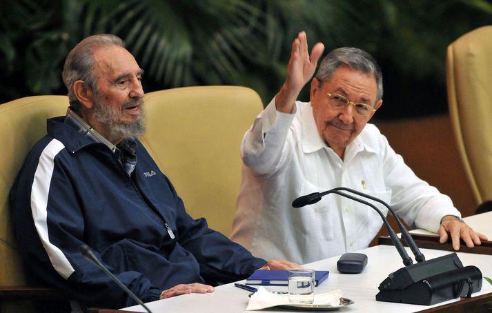 Fidel og Raúl Castro árið 2011.