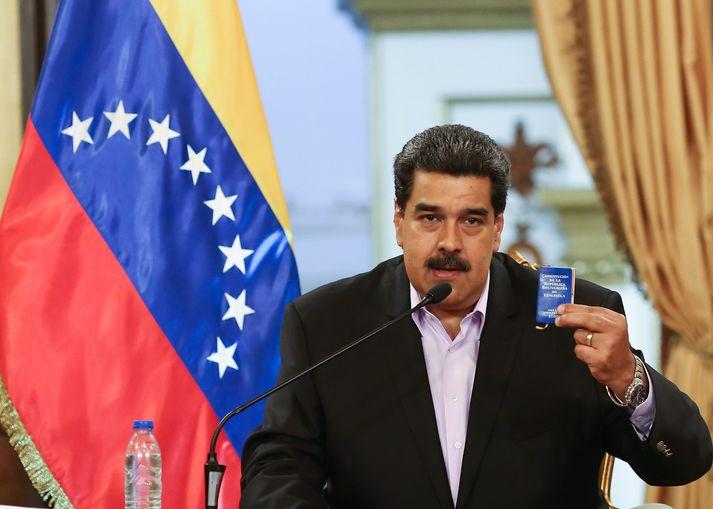 Nicolás Maduro forseti Venesúela vill að alþjóðasamfélagið opni augun og sjái að Bandaríkjaforseti sé að leiða það í ógöngur með framferði sínu gagnvart Venesúela.