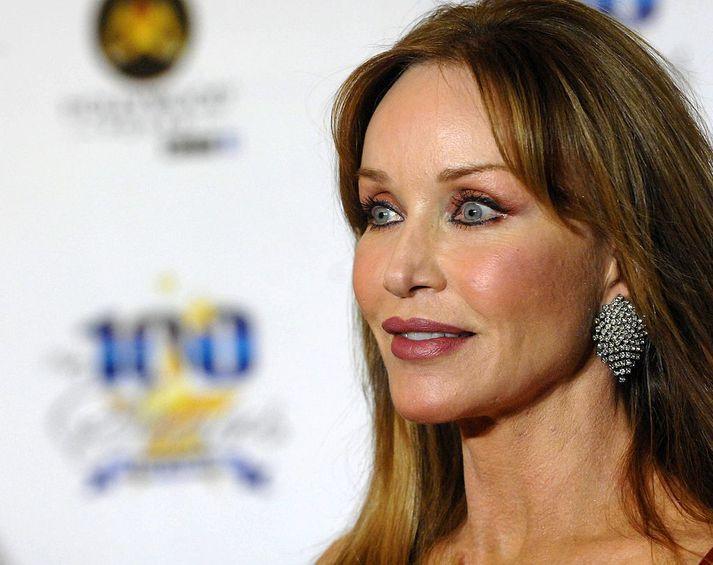 Tanya Roberts var þekktust fyrir hlutverk sín sem Bond-stúlkan Stacey Sutton og Midge í þáttunum That 70's Show.