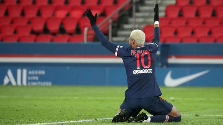 Neymar skoraði sitt 50. mark í frönsku úrvalsdeildinni er PSG gerði 2-2 jafntefli við Bordeaux á heimavelli í gær.