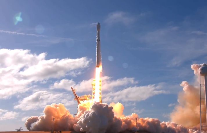 Stjörnumaður SpaceX á leið sinni til mars.
