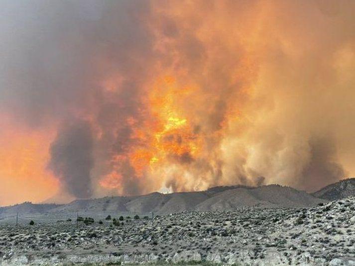 Slökkvilið í Nevada-fylki birti þessa mynd af svokölluðum Beckwourth Complex eldi um helgina.