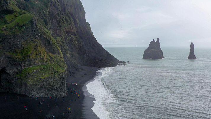 Ferðamennirnir áttu að vera í sóttkví en fóru í Reynisfjöru. Myndin er úr safni.