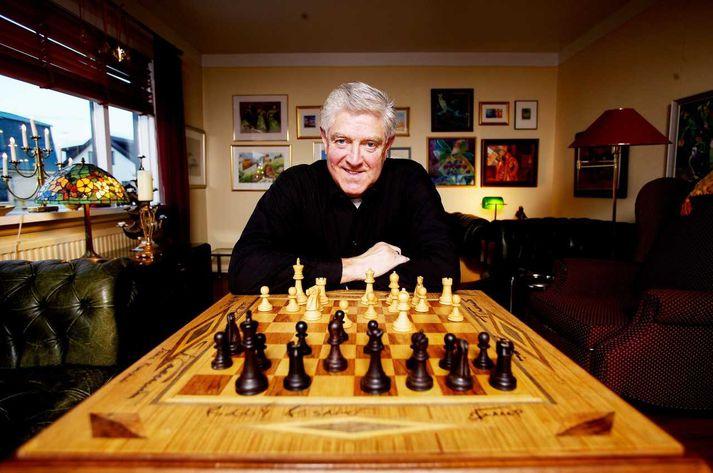 Sæmi Rokk við taflborðið, en Sæmi var góðvinur stórmeistarans Bobby Fischer.