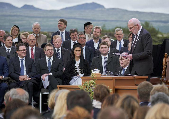 Frá hátíðarfundi Alþingis á Þingvöllum.