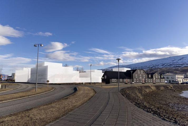 Gilandi skipulag sem gerir ráð fyrir þriggja til fjögurra hæða húsum naut mests stuðnings.