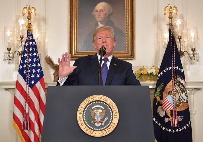 Donald Trump, forseti Bandaríkjanna, á blaðamannafundinum í kvöld