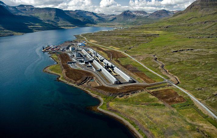 Alcoa Fjarðaál við Reyðarfjörð.