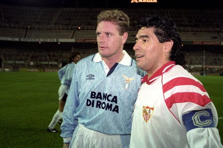 Paul Gascoigne og Diego Maradona voru, ef marka má sögu Gascoigne, báðir búnir að fá sér í glas þegar þeir mættust á sínum tíma.
