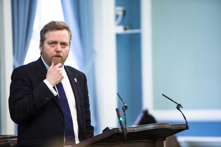 Sigmundur Davíð hefði fengið hærri laun en ráðherrar hefði tillaga hans verið samþykkt.