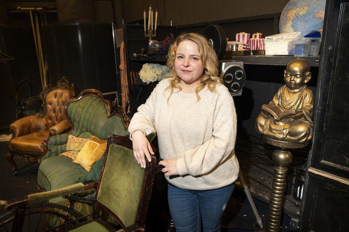 Fanney Sizemore hefur mörg áhugamál sem tengjast einnig störfum hennar sem leikmunavörður, myndskreytir og grafískur hönnuður.
