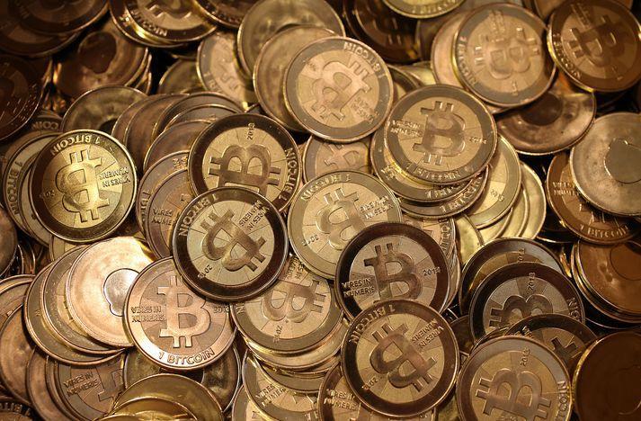 Bitcoin reis hratt undir lok síðasta árs. Fallið hefur því verið hátt á undanförnum mánuðum.