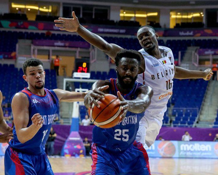 Olaseni í leik Breta gegn Belgum á Eurobasket