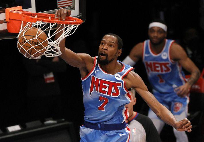 Kevin Durant var í stuði gegn Denver Nuggets.