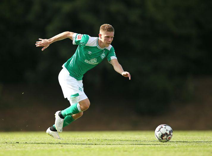Aron í leik með Werder Bremen.