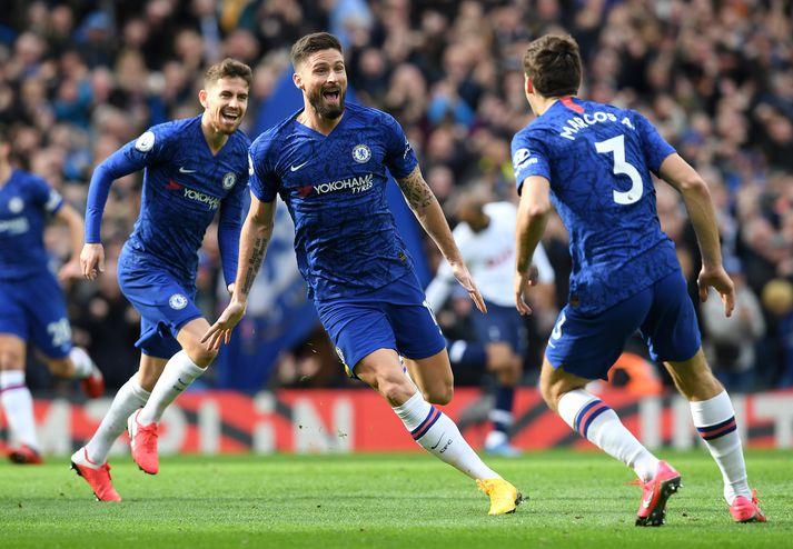 Giroud nýtti tækifærið í byrjunarliði Chelsea vel.