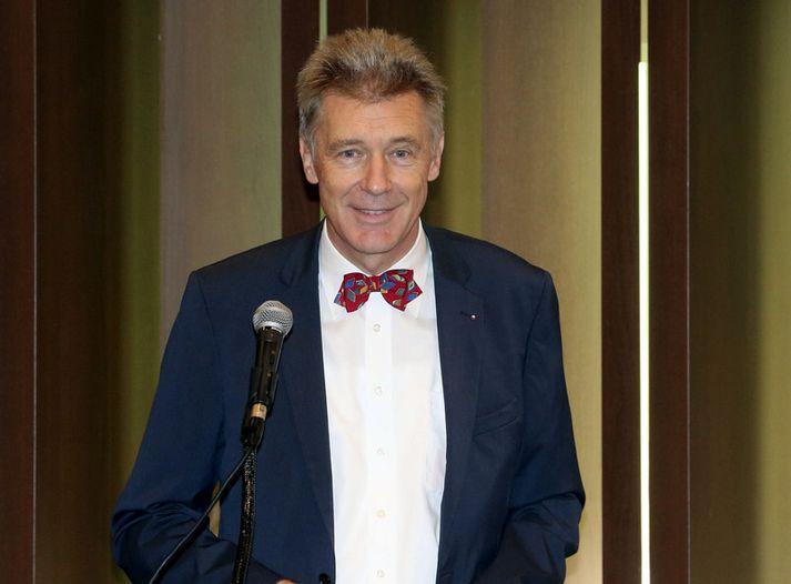 Gerhard Sabathil var sendifulltrúi ESB gagnvart Íslandi frá 2000 til 2004. Hann var kallaður heim sem sendiherra í Suður-Kóreu eftir að öryggisheimild hans var afturkölluð árið 2016.