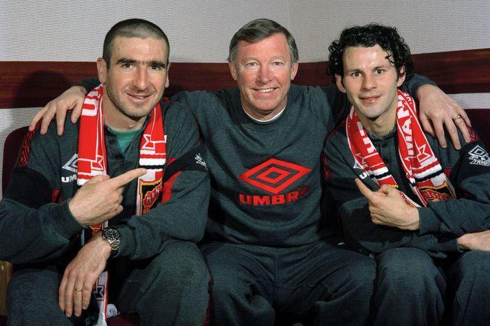 Sir Alex Ferguson, hinn sigursæli knattspyrnustjóri Manchester United með þeim Eric Cantona og Ryan Giggs.