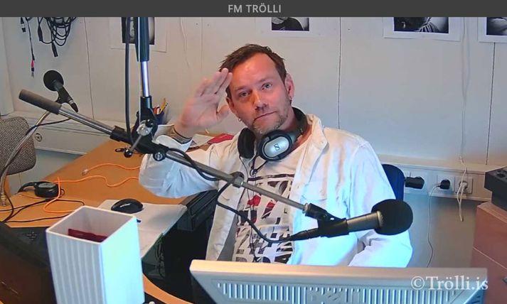 Andri Hrannar Einarsson í hljóðveri FM Trölla. Hann er nú fluttur til Ítalíu og býr þar með kærustu sinni, Fransescu.