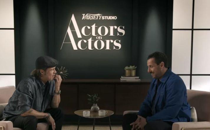 Brad Pitt og Adam Sandler fóru vel yfir málin.