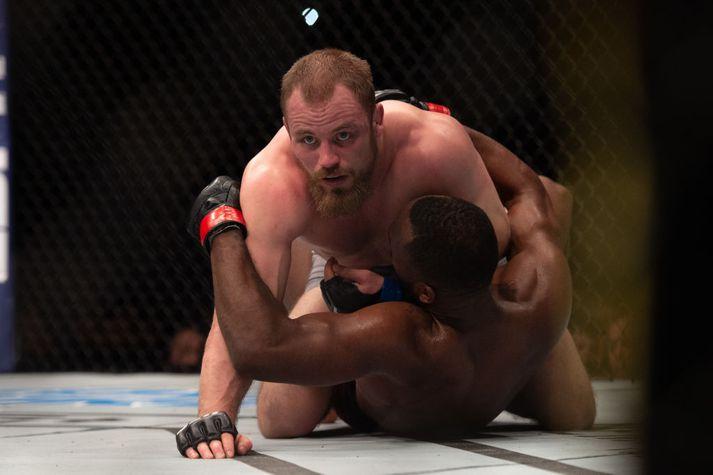 Gunnar Nelson er með flesta afgreiðslur í gólfinu í sögu veltivigtar UFC.