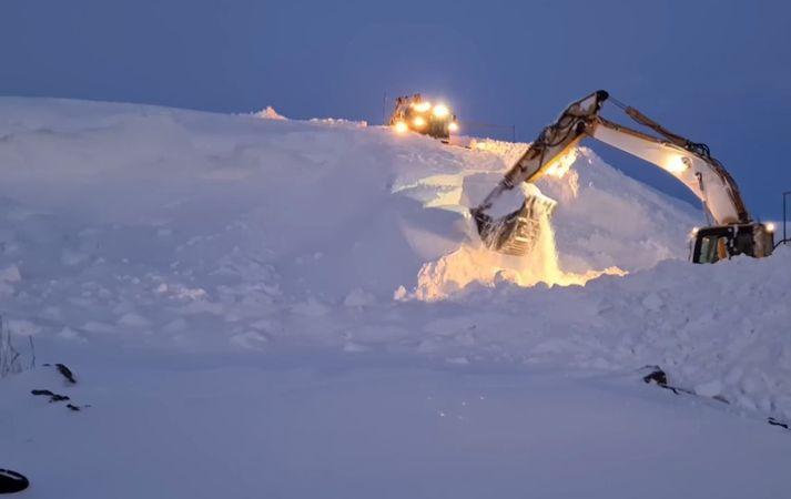 Mikil snjókoma hefur verið á norðanverðu landinu undanfarna daga.