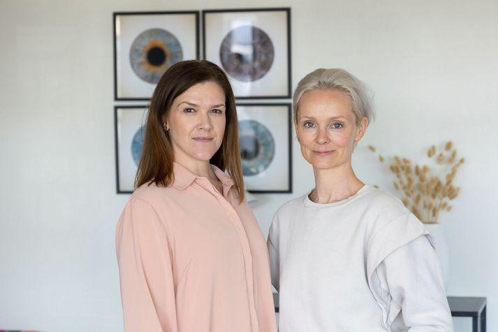 Hanna Lilja Oddgeirsdóttir sérnámslæknir í kvensjúkdóma- og fæðingarlækningum og Andrea Eyland þáttastjórnandi og höfundur Kviknar.