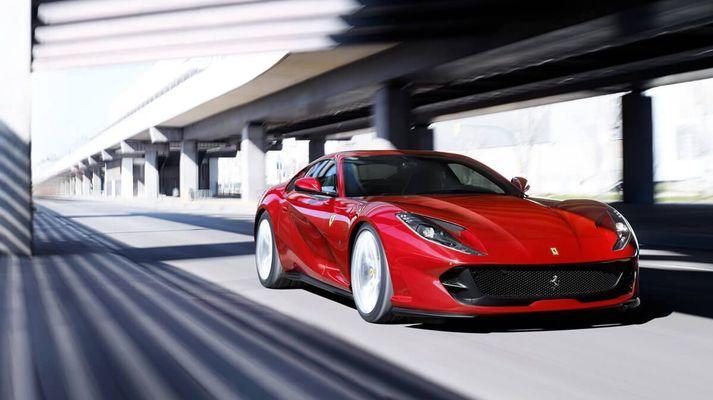 Ótjónaður Ferrari 812
