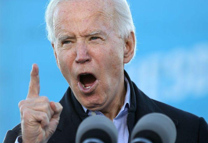 Joe Biden, verðandi Bandaríkjaforseti, á kosningafundinum í Georgíu í gær.