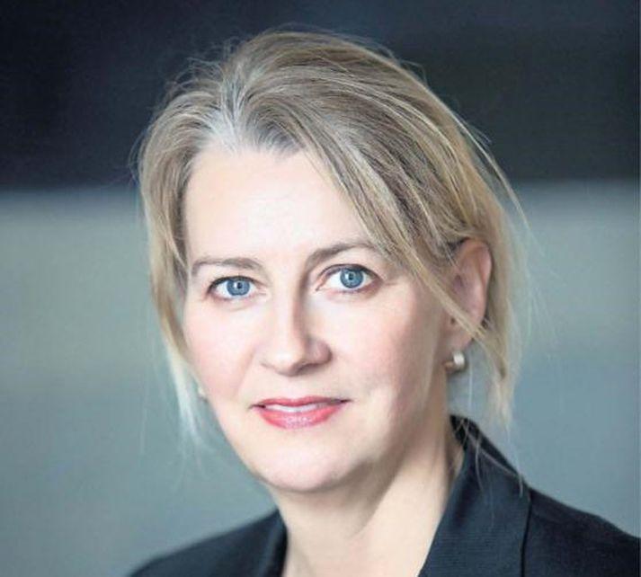 Unnur Pétursdóttir, formaður Félags sjúkraþjálfara, hafnar ásökunum forstjóra Sjúkratrygginga Íslands.