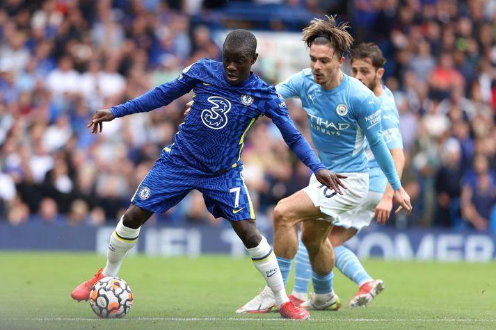 N'Golo Kanté spilaði með Chelsea í stórleiknum gegn Manchester City á laugardag en missir af leiknum annað kvöld.