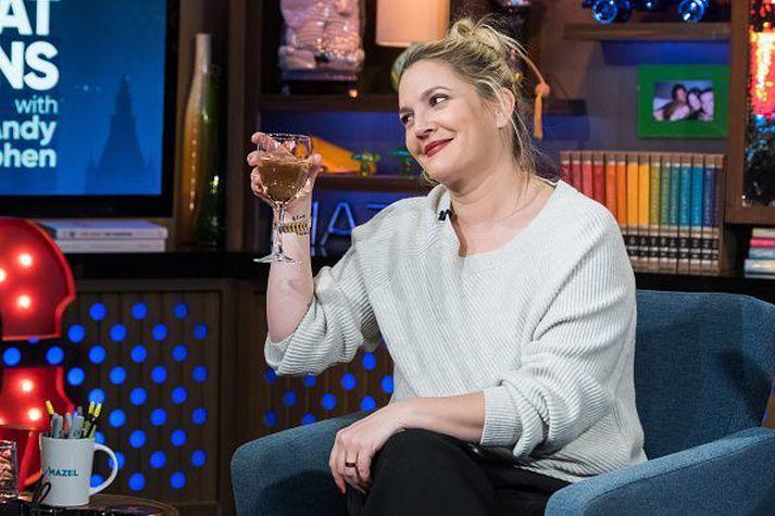 Drew Barrymore segist hafa drukkið of marga drykki í þættinum.